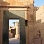 doorkijkje in Karnak