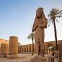 Beeld van Ramses in Karnak