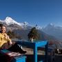 Pauze in Tadapani met melkthee & prachtig uitzicht